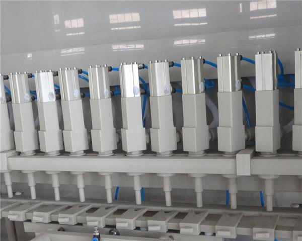 Detalles de la máquina de llenado anticorrosiva 16